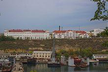 Северные корпуса севастопольских Лазаревских казарм
