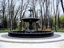 Фонтан в Мариинском парке Киева