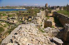 Карантинная бухта и руины Херсонеса в Севастополе