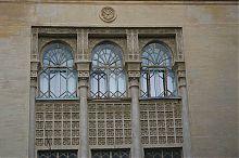 Трехсветные ланцетовидные арочные окна севастопольской мечети