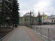 Фасад Маріїнського палацу з боку парку Палацового