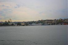 Павловский мыс со стороны Графской пристани Севастополя