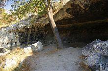 Северный угол инкерманской пещеры со следами стоянки позднего палеолита