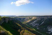 Ущелина Ашлама-Дере між горами Беш-Кош і Бурунчак біля Бахчисараю