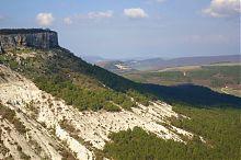 Выход из ущелья Ашлама-Дере на равнину у горы Беш-Кош
