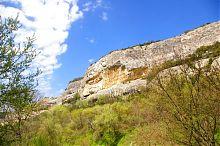 Северная скала долины Марьям-Дере в Бахчисарае