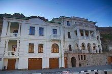 Центральний фасад дачі Соколової в Балаклаві