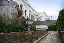 Видовой газон у Ливадийского дворца