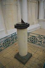 Солнечные часы дворика Ожидания в караимских кенасах Евпатории