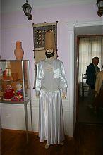Традиционный наряд дервиша (не считая черной накидки) в этнографическом музее текие-дервиш Евпатории