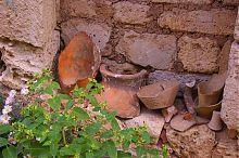 Черепки глиняных сосудов, найденные при раскопках в евпаторийском текие дервиш