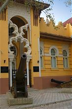 Орудие (экспонат евпаторийского краеведческого музея)