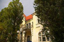 """Південний фасад колишньої дачі Казаса """"Рів'єра"""" Євпаторії"""