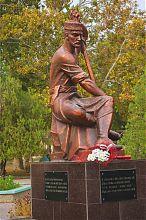 Ашик Умер (памятник в Евпатории)