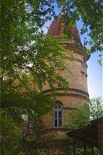 """Північна вежа євпаторійської колишньої вілли """"Люкс"""" у Євпаторії"""