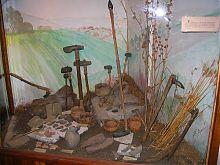 Экспонаты каменного века отдела древностей Каменец-Подольского исторического музея