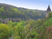 Східний кінець Кам'янець-Подільського плато під охороною Гончарної вежі