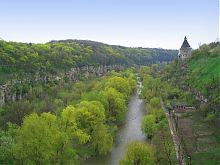 Каньйон Смотрича з Гончарній вежею у східній частині Кам'янця