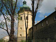 Башня-колокольня костела святого Лаврентия в Жолкве