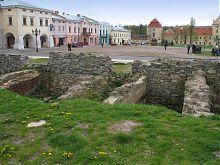 Вид на Вічову площу з боку  колишнього єврейського кварталу по Львівській вулиці