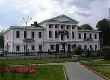 Здание Дворянского собрания в Корпусном саду Полтавы