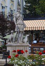 Фонтан в честь древнегреческой покровительницы охоты Дианы площади Рынок Львова