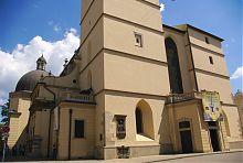 Памятная табличка посещения папой Иоанном Павлом II кафедрального собора Львова
