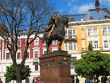 Памятник князю Даниле Галицкому на одной из центральных площадей Львова