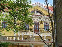 Центральний фасад арсеналу Сенявських у Львові