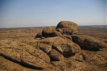 Гранитные выходы в государственном заповеднике Каменные могилы