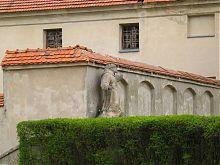 Статуя святого Онуфрия (авт. И.Леблан) монастырского комплекса капуцинов в Олеско