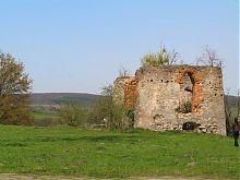 Південний фасад східної оборонної вежі замку у Свіржі