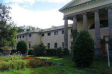 Парковый фасад дворца княгини Щербатовой в Немирове