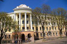 Колишня тернопільська друга польська гімназія, а нині загальноосвітня школа №4