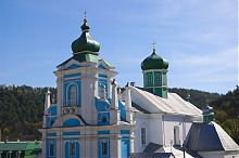 Купола бывшего францисканского монастыря Кременца
