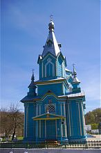 Центральний фасад кременецького храму Воздвиження Чесного Хреста