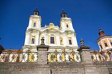 Вежі-близнюки Преображенського храму Кременця
