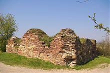 Восточный башня-бастион крепости в Подзамочке