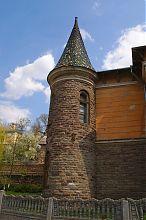 Юго-западная башня-флигель музыкальной школы Бучача