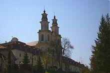 Южный фасад Крестовоздвиженской церкви Василианского монастыря Бучача