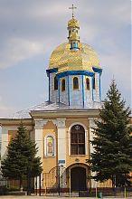 Центральний фасад костьолу святого Миколая у Теребовлі