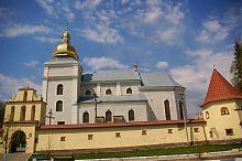 Юго-восточный фасад бывшего теребовлянского монастыря босых кармелитов