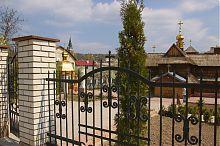 Притвор (бабинець) чортківської Успенської церкви у Чорткові