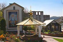 Святі джерела храму Покрови Чорткова