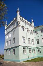 Северо-восточная башня дворца в Белокринице