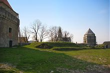 Руины дворца крепости в Скалате