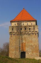 Западная башня замка в Скалате