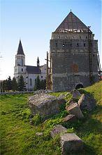 Костел святой Анны в Скалате
