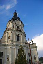 Центральный фасад микулинецкого храма Святой Троицы