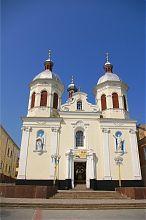 Центральний фасад Троїцького собору в Бережанах